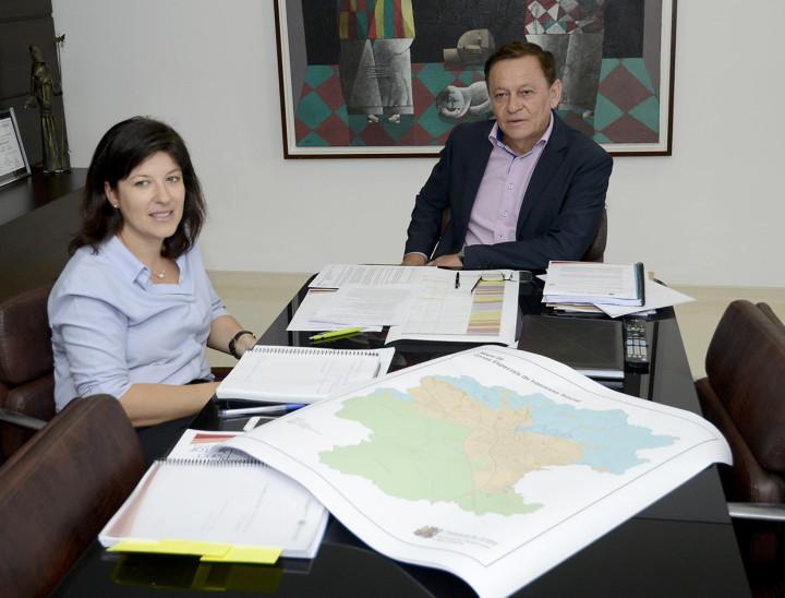 Pedro Bigardi (com Daniela da Camara) destacou a qualidade do conteúdo resultante do processo
