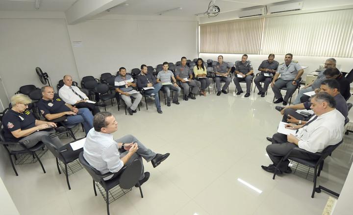 Estratégia de ação é discutida em emcontro na Escola de Governo e Gestão
