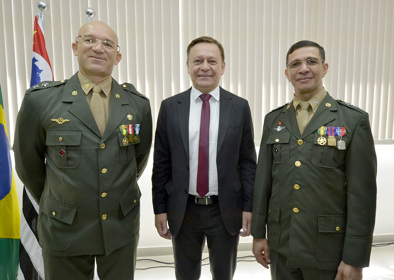 Prefeito participa da posse de novo delegado militar | Notícias