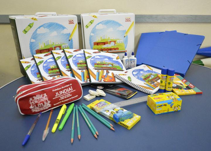 As capas dos cadernos e da maleta estão com novas ilustrações, produzidas pela Secretaria de Comunicação Social