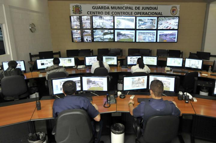 Centro de Controle de Monitoramento da GM fica de olho Carnaval