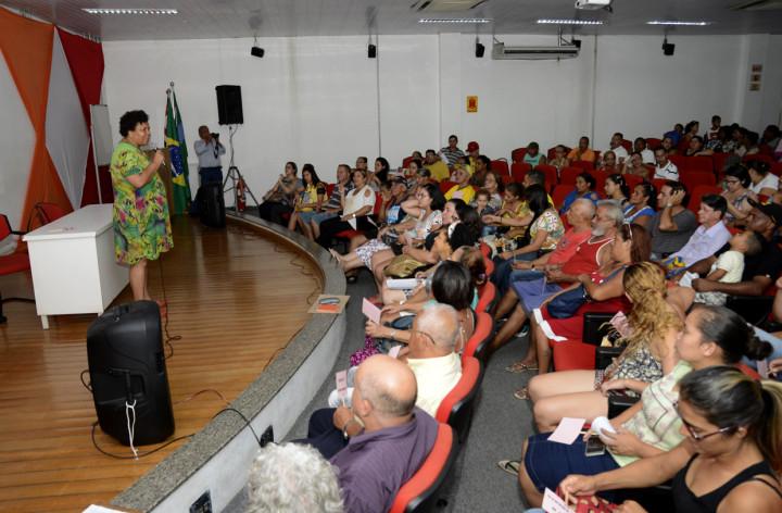 Lucelena destacou que reuniões são importantes para vivência em condomínio