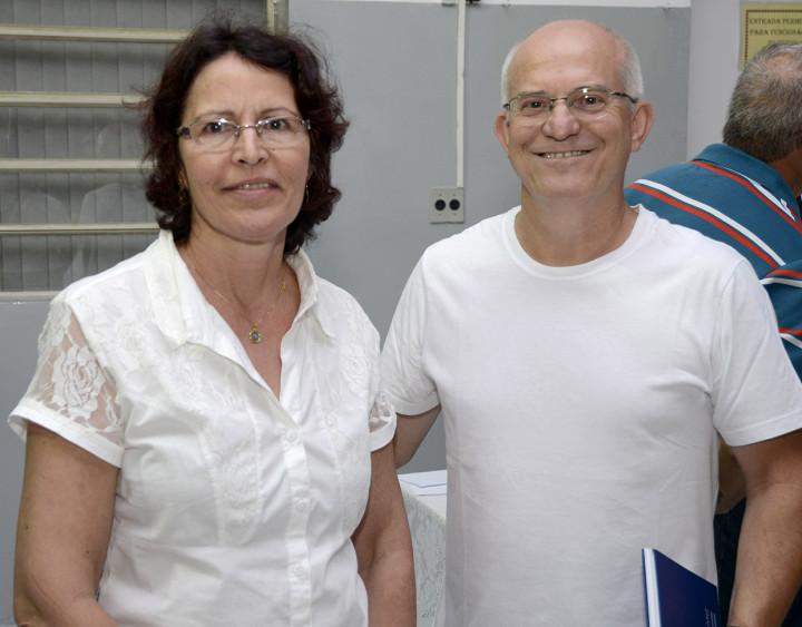 Vera e Antônio elogiam a participação do prefeito nos bairros