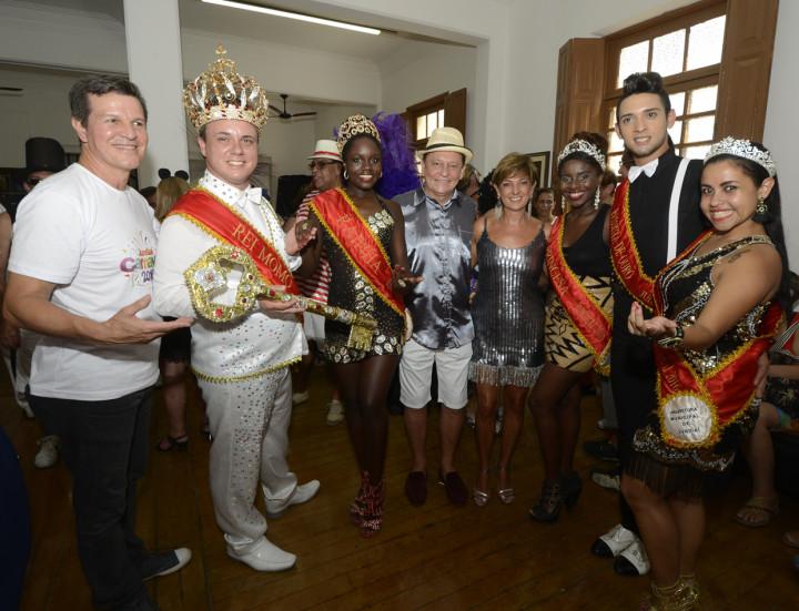 Entrega simbólica da chave da cidade à Corte marcou abertura oficial do carnaval