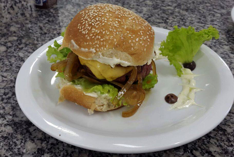 Aula de hamburgueria gourmet despertou a criatividade dos alunos