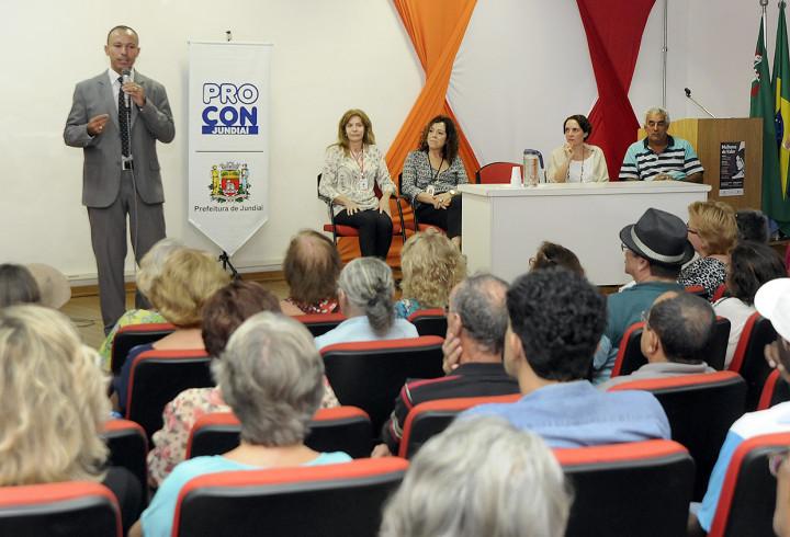Coordenador do Procon, Adilson Garcia participou do evento