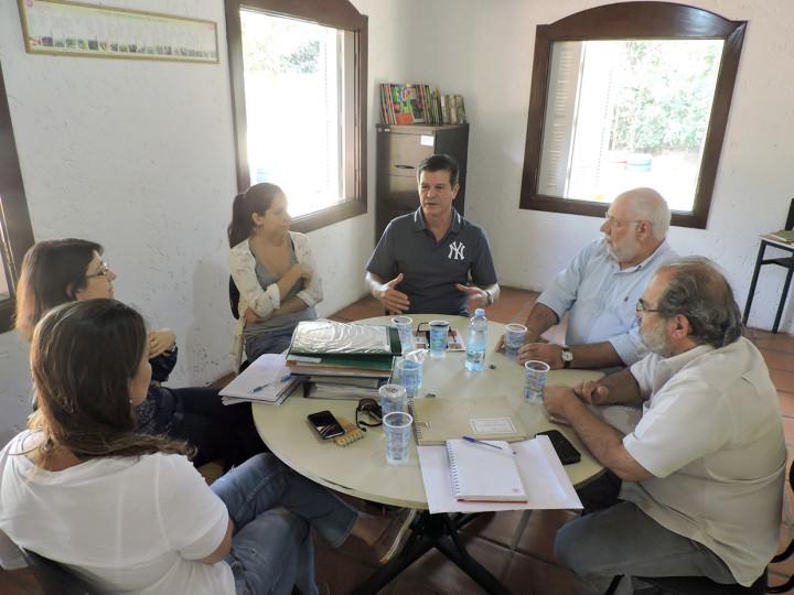 Secretário se reuniu com representantes da FAACG para discutir parcerias