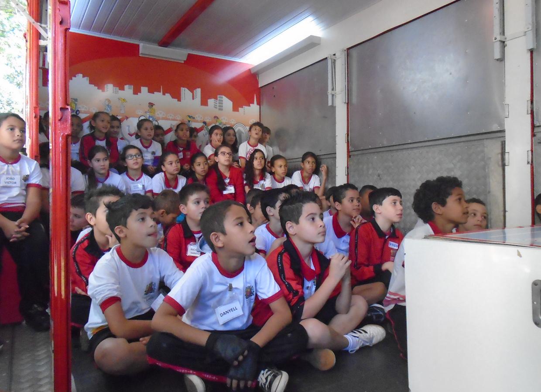 Mais de 2 mil crianças vão ser orientadas 'Na Pista Certa'