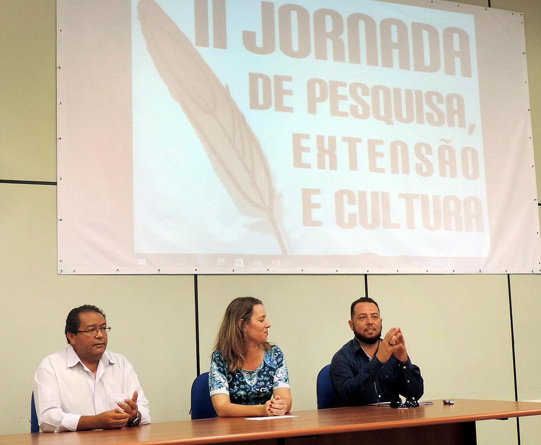 Inauguração reuniu discursos de encorajamento das autoridades acadêmicas e culturais da região