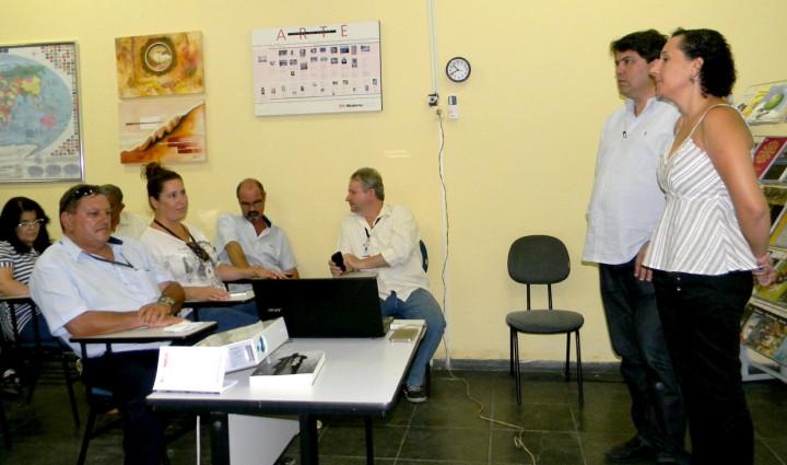 Tatiana e Cabelo falaram aos servidores sobre projetos e ações da Fundação