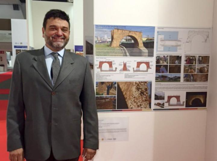 O restaurador Toninho Sarasá no Salão do Restauro, na Itália: zeladoria como método participativo