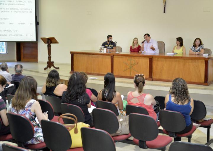 Oficina contou com a participação de representantes do poder público e entidades do município
