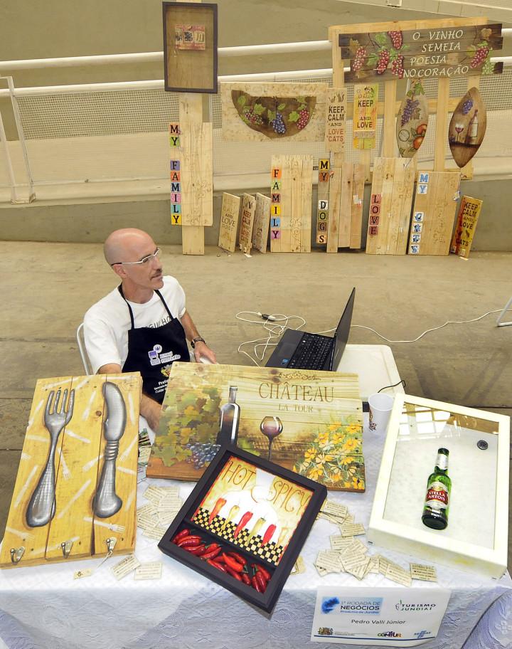 Produtores de arte (foto), de alimentos e de passeios se encontraram no evento