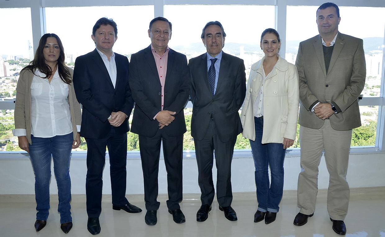 Grupo foi recebido pelo prefeito Pedro Bigardi