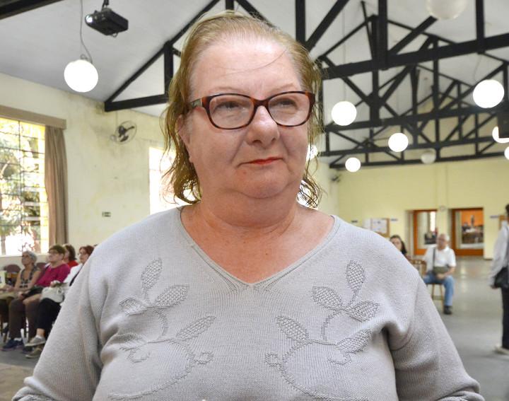 A aposentada Vera Lúcia Zichel Nascimento frequenta o Criju todos os dias e elogiou as atividades