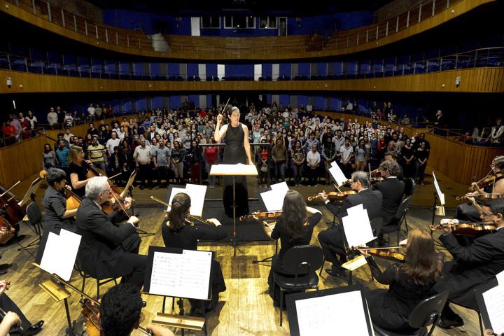 Orquestra encantou o público com o primeiro concerto da temporada 2016