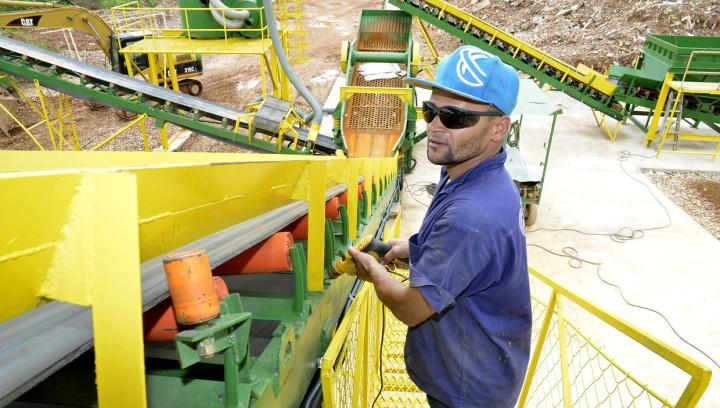 Pick Station no Geresol: equipamento de transporte de caçambas de resíduos