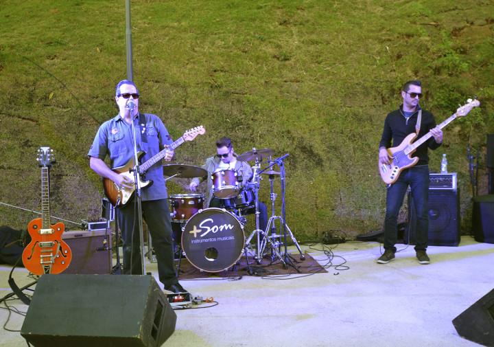 Maresia Blues Trio estreou o palco do novo escadão