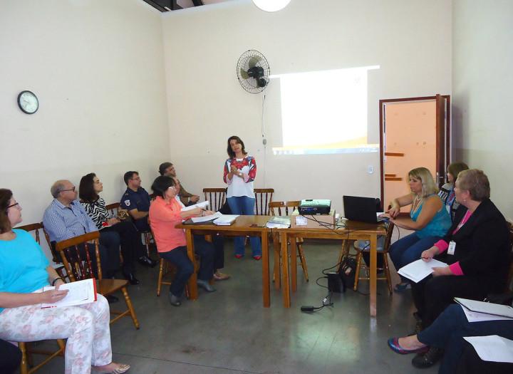Secretária da Semads participou de reunião do Comdipi