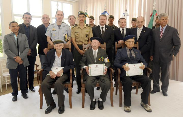 Ex-combatentes da FEB são homenageados no Espaço Monte Castelo