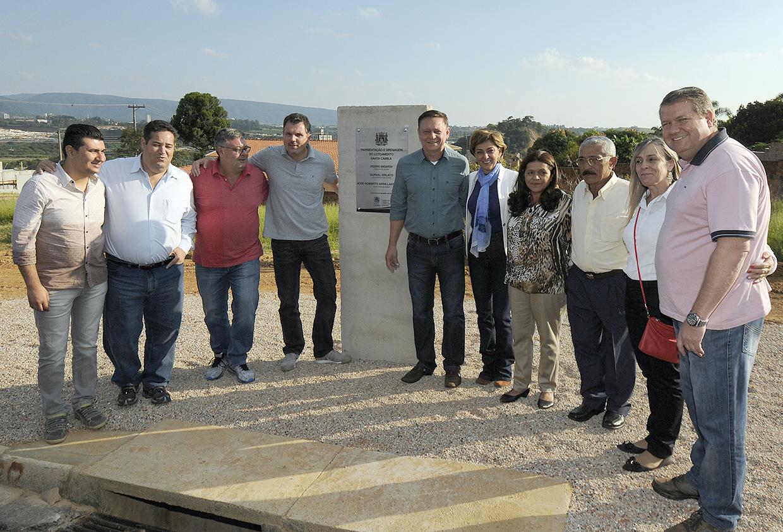 Prefeito Pedro Bigardi na cerimônia de inauguração de mais uma obra de pavimentação