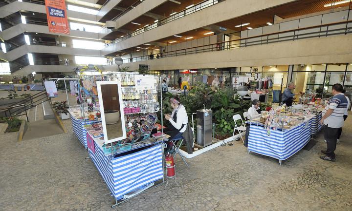 Os artesãos reforçam atrativos de eventos na cidade