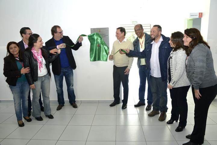 Prefeito e autoridades inauguraram oficialmente o espaço