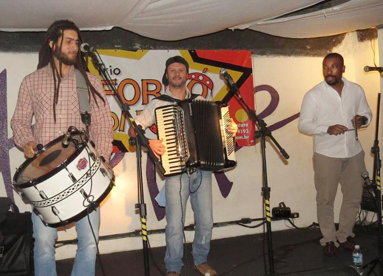 Forró de Fole agita festa com ritmo agitado e muita dança