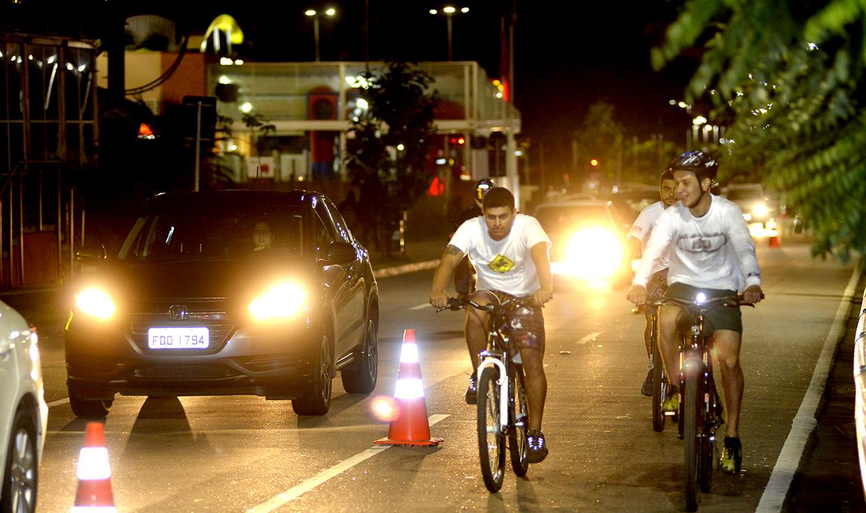 Pedestres, ciclistas e veículos formam o leque de modais para cidade segura