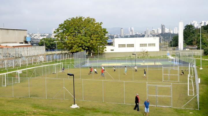 Campos, quadra poliesportiva, academia ao ar livre e playground fazem parte do novo Antônio Iacovino