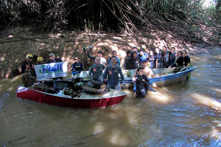 A ação voluntária em defesa do rio Jundiaí-Mirim é uma das atividades