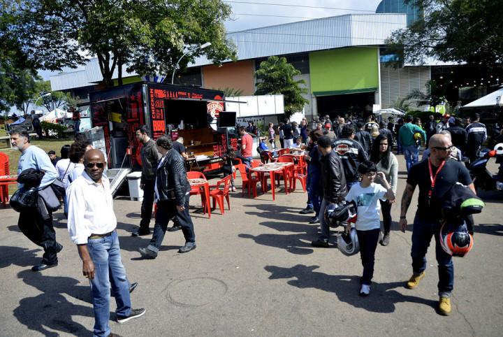 Food Trucks fazem parte da praça de alimentação do 3ª Encontro de Motociclistas