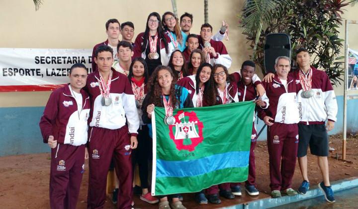 Natação de Jundiaí brilha como vice-campeã no masculino e feminino