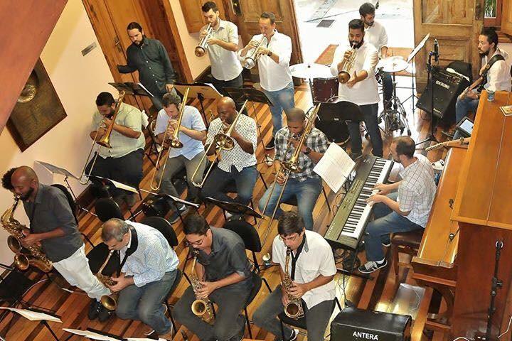 Os 17 músicos da SP Jazz Big Band são responsáveis pela sonoridade instrumental inusitada