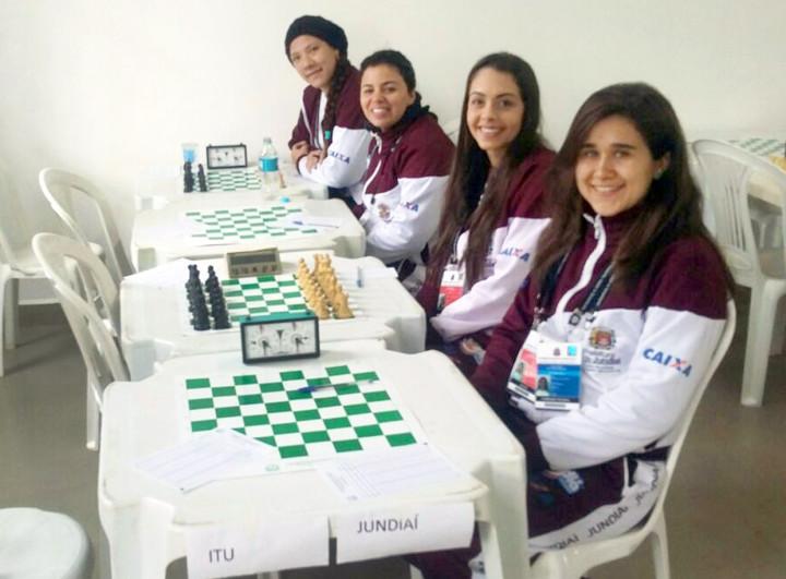 As meninas do xadrez empataram a última rodada e ficaram com a 4º colocação por pontos corridos