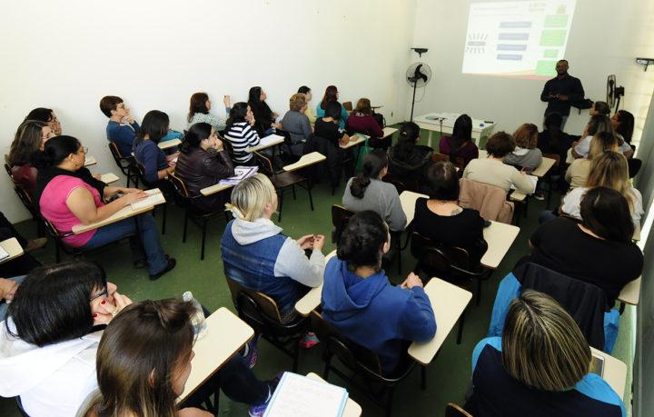 Educadoras participaram da formação: passo inicial