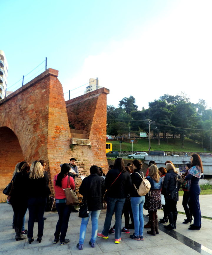 Mediação aborda os pontos históricos e culturais: Ponte Torta, Pinacoteca, Polytheama, Escadão, Praça Ruy Barbosa e Praça Governador Pedro de Toledo