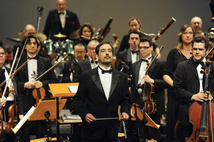 Orquestra reproduz repertório da MPB com roupagem sinfônica