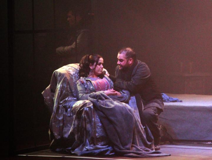 Amor, paixão, ciúmes e pobreza tecem o conflito principal da Ópera