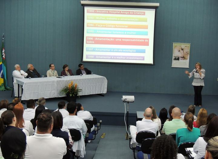 A palestrante Rosana De Divittis destacou importância da amamentação