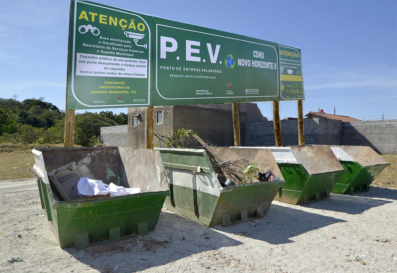 Pontos de entrega voluntária de entulhos foram instalados na cidade
