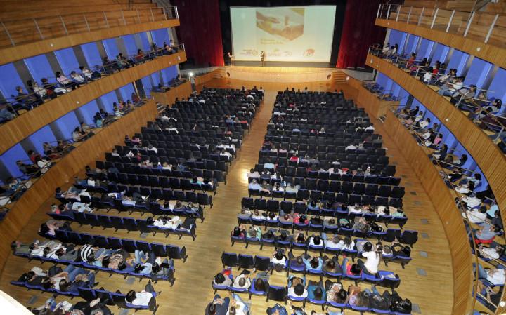 O Teatro Polytheama vai estar fechado para o público nesta segunda (15)