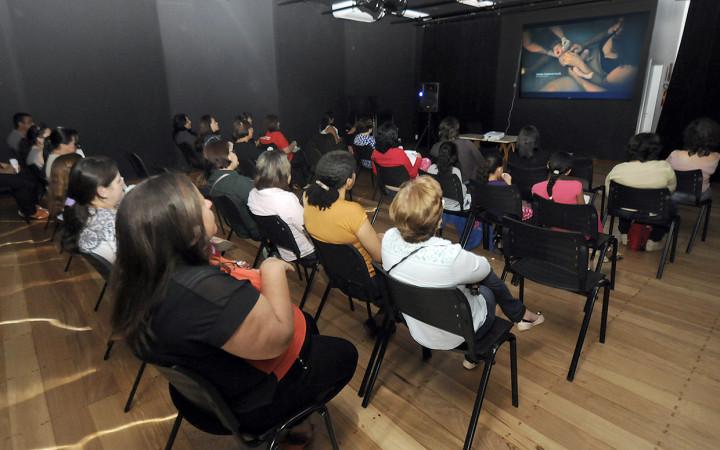 """O documentário """"Começo da Vida""""lotou o teatro do CEU das Artes"""