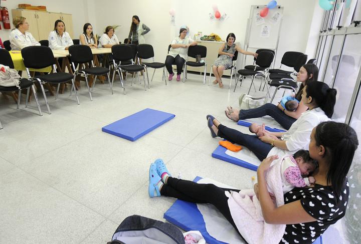 A massagem Shantala contou com orientações de profissionais da UBS Parque Centenário