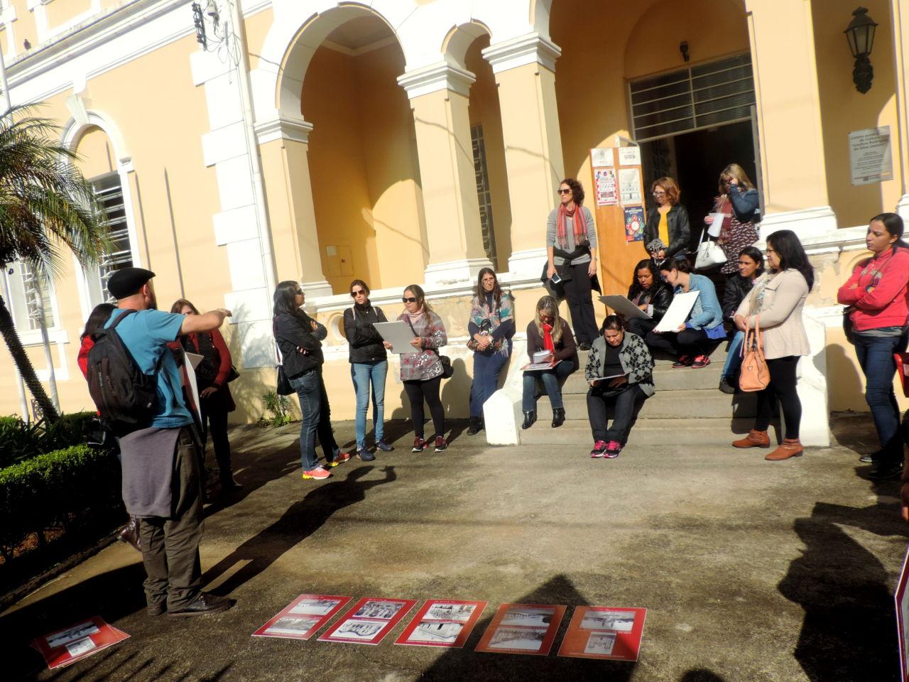 Caminhada cultural inicia em frente ao prédio da Pinacoteca