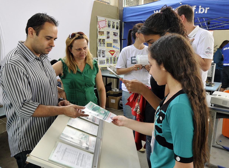 Evento leva informações educacionais e cultura aos moradores do São Camilo
