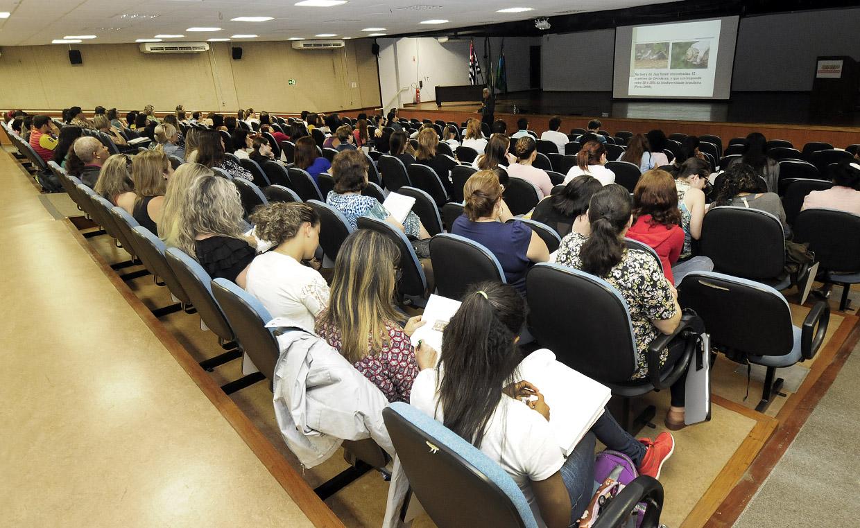 Professores da rede estadual na quarta etapa: ciclo vai ser completado em outubro