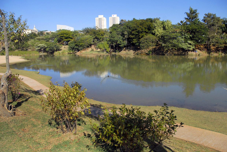 Administração do parque informa que cumpre orientações da Zoonoses em relação às capivaras