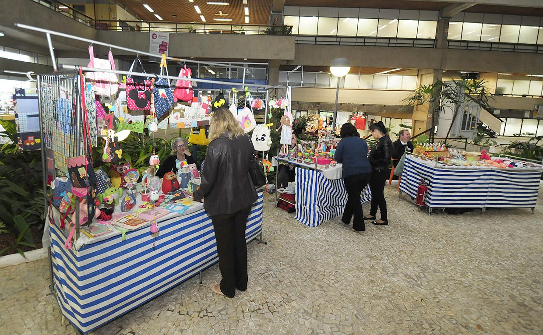 Armario Cocina Esquinero ~ Feira no Paço confirma criatividade de artes u00e3os locais