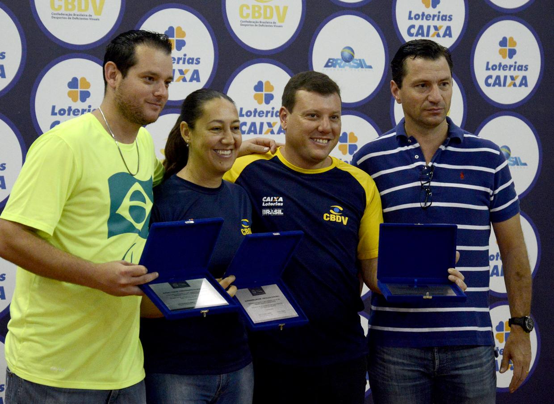 Os jundiaienses da comissão técnica da seleção brasileira de goalball foram homenageados pelo secretário João Maffia